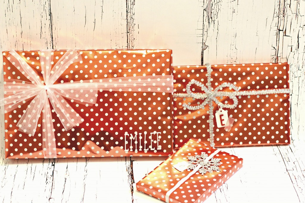 Gift Wrapping polka dot paper