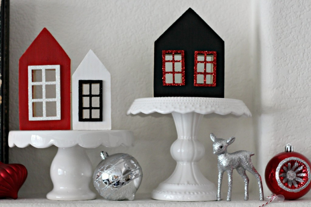Red and Black Mantel houses