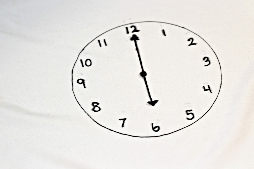 Checklist Pillowcase clock