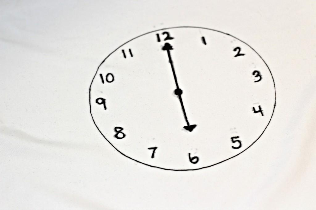 Checklist Pillowcase clock
