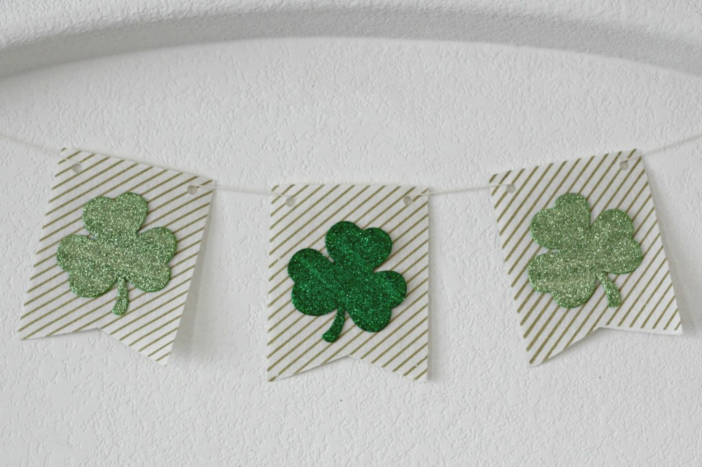 Gold and Green Shamrock Banner