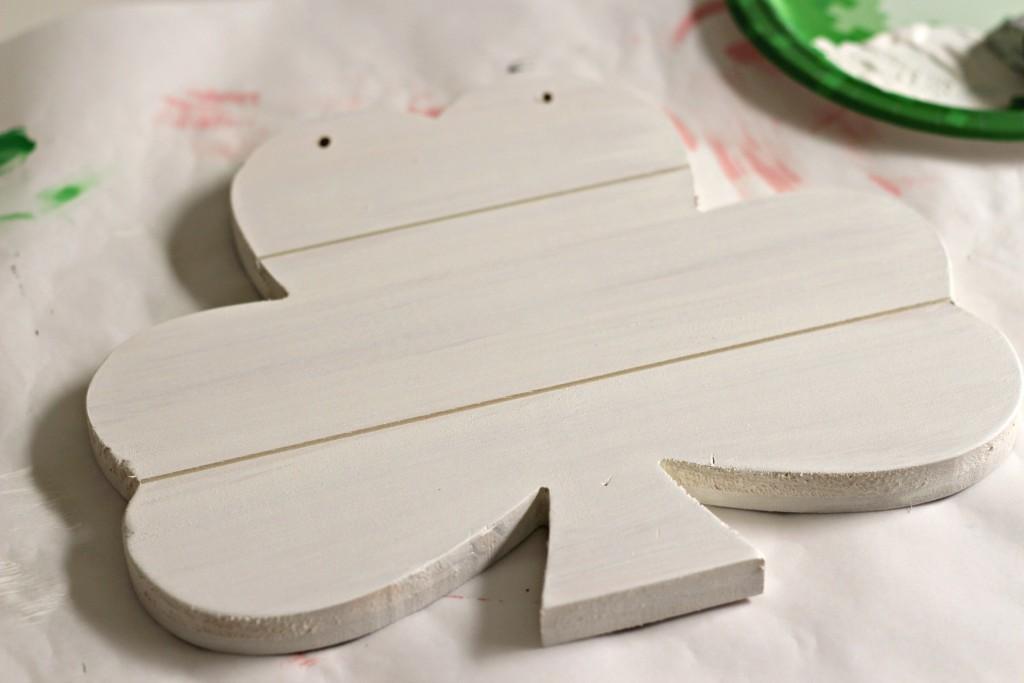 Lucky Shamrock white paint layer
