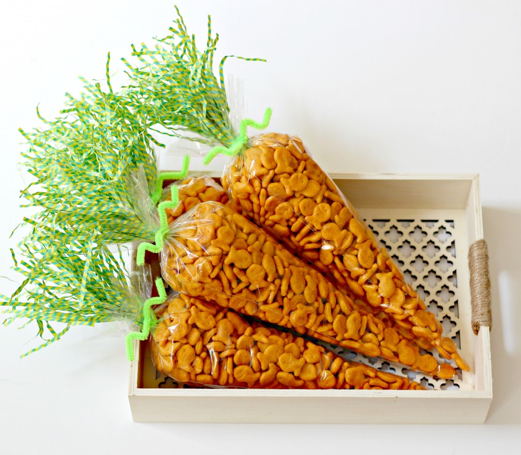 Carrot Treat Bags in a cute cutout tray