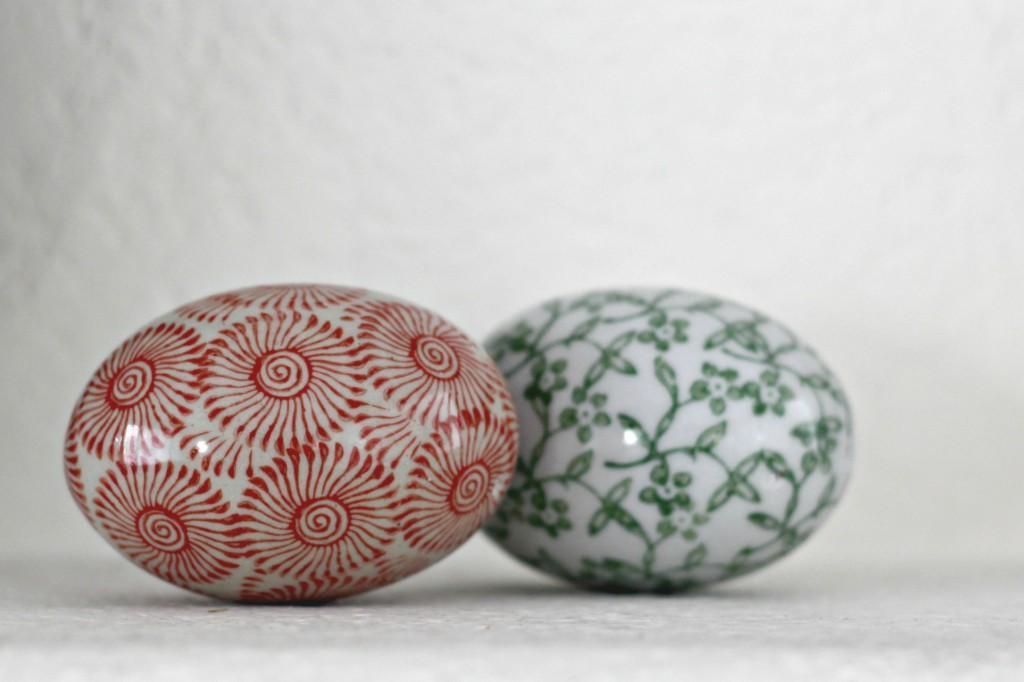 Easter Mantel Decorative Eggs