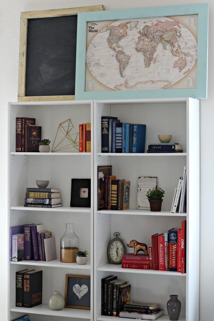 Decorating a Rental bookcase