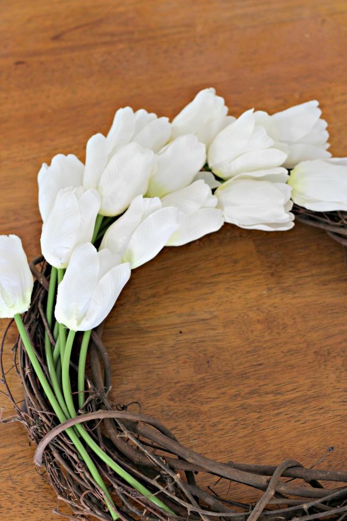 Monogram Tulip Wreath top