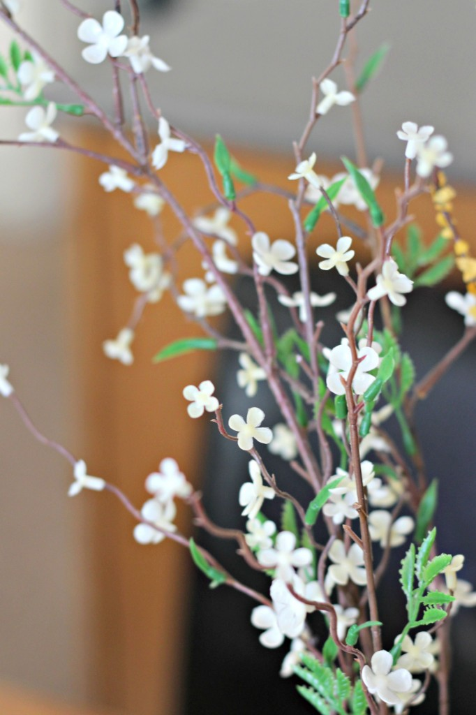 Centerpiece white flowers