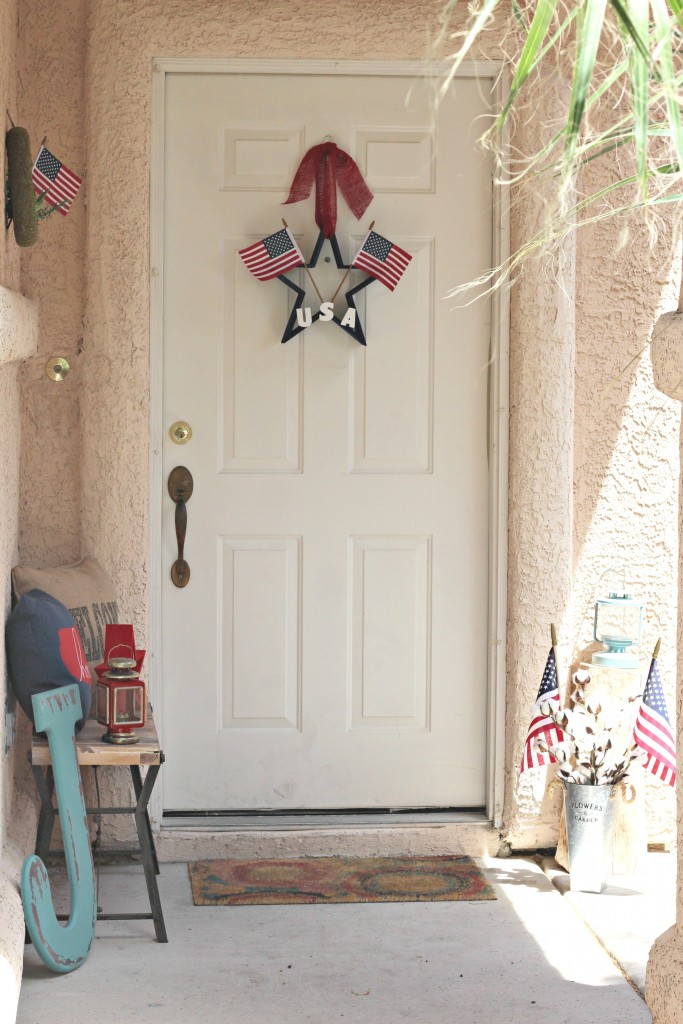 4th of July Front Porch decorated
