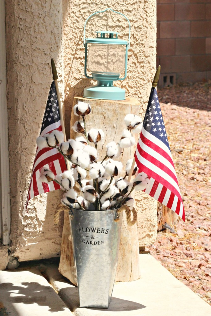 4th of July Front Porch tree stump