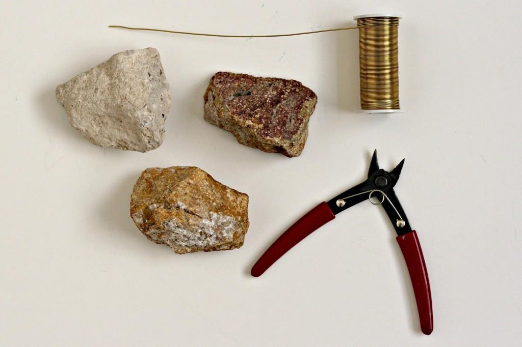 Rock Photo Holder supplies