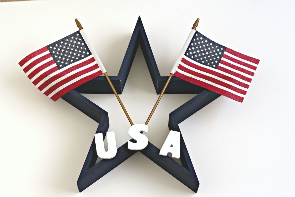 Star Wreath with American flags
