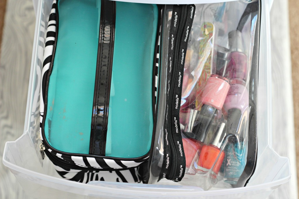 Bathroom storage make-up drawer