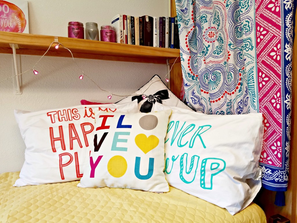 Dorm Room bedding and pillows
