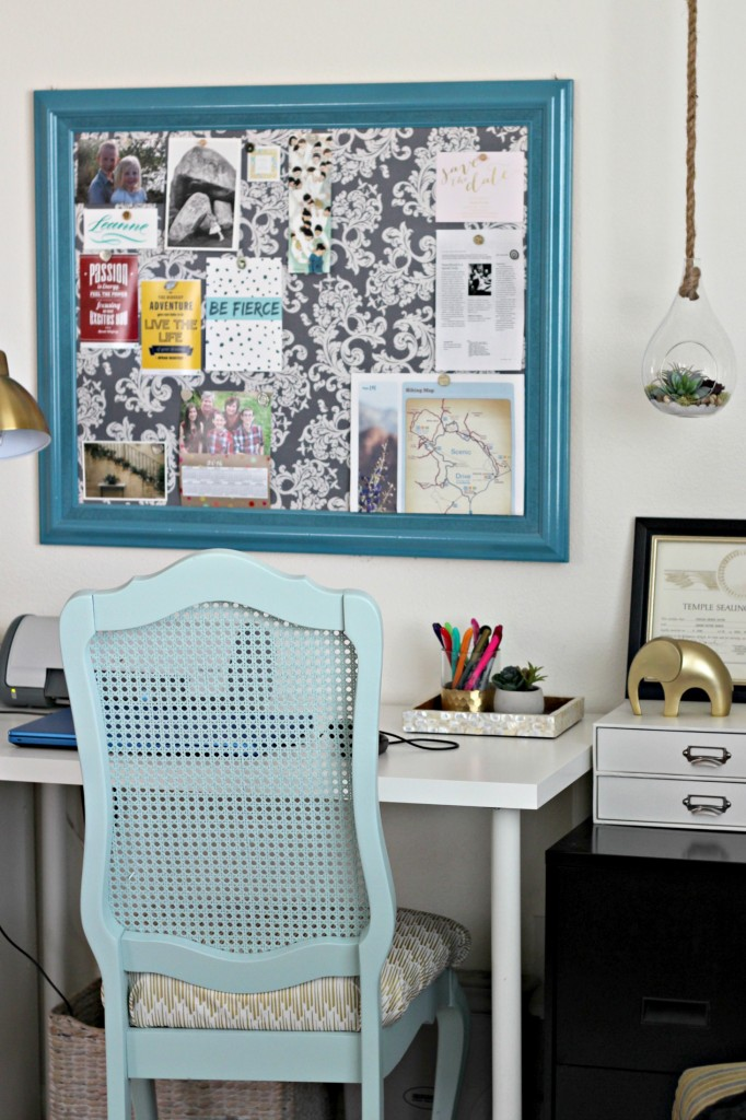 office-area-cork-board-from-large-frame