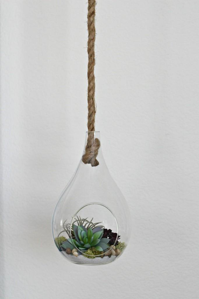 office-space-hanging-terraium