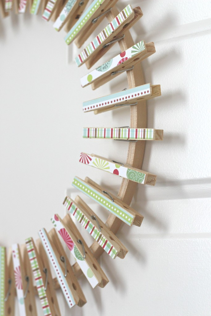 christmas-card-clothespin-wreath-clothespins