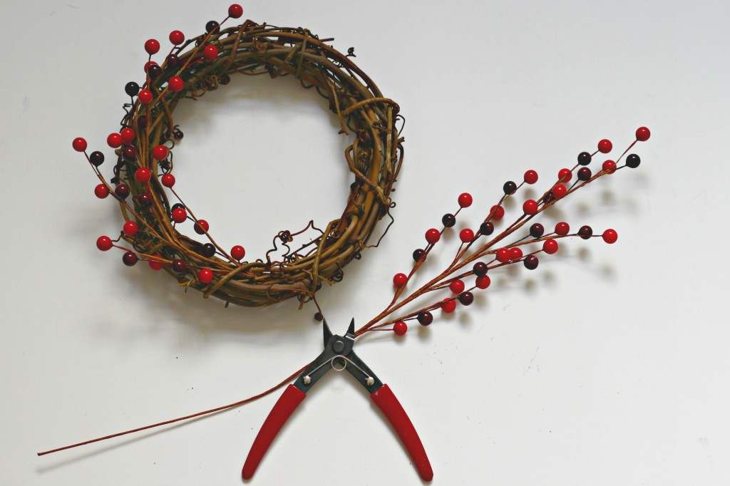 joy-sign-making-the-wreath