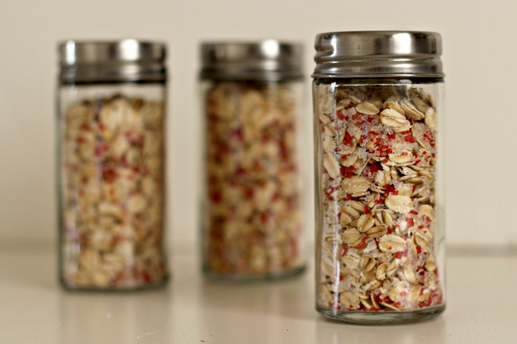 magic-reindeer-food-oats-and-crystals-mixed