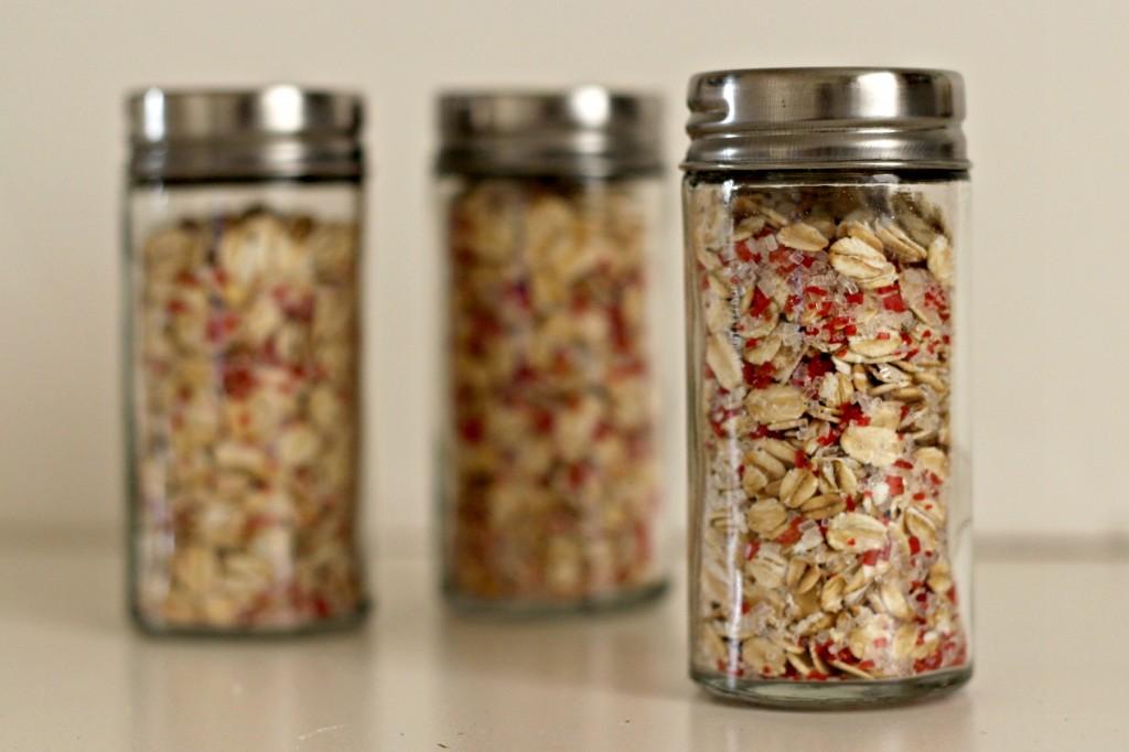 magic-reindeer-food-oats-and-crystals-mixed