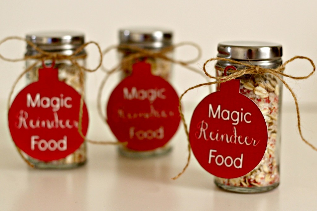 magic-reindeer-food-with-tags