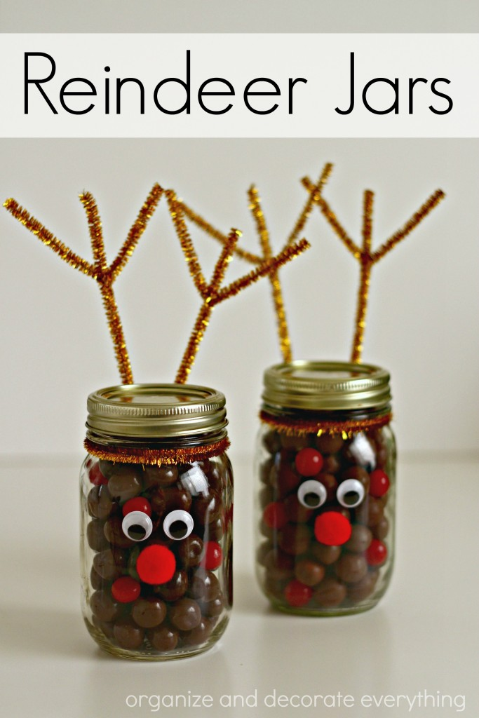 reindeer-jars-filled-with-candy-for-christmas-gift-giving