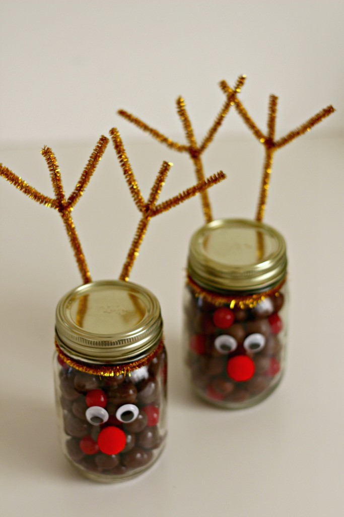 reindeer-jars-filled-with-candy