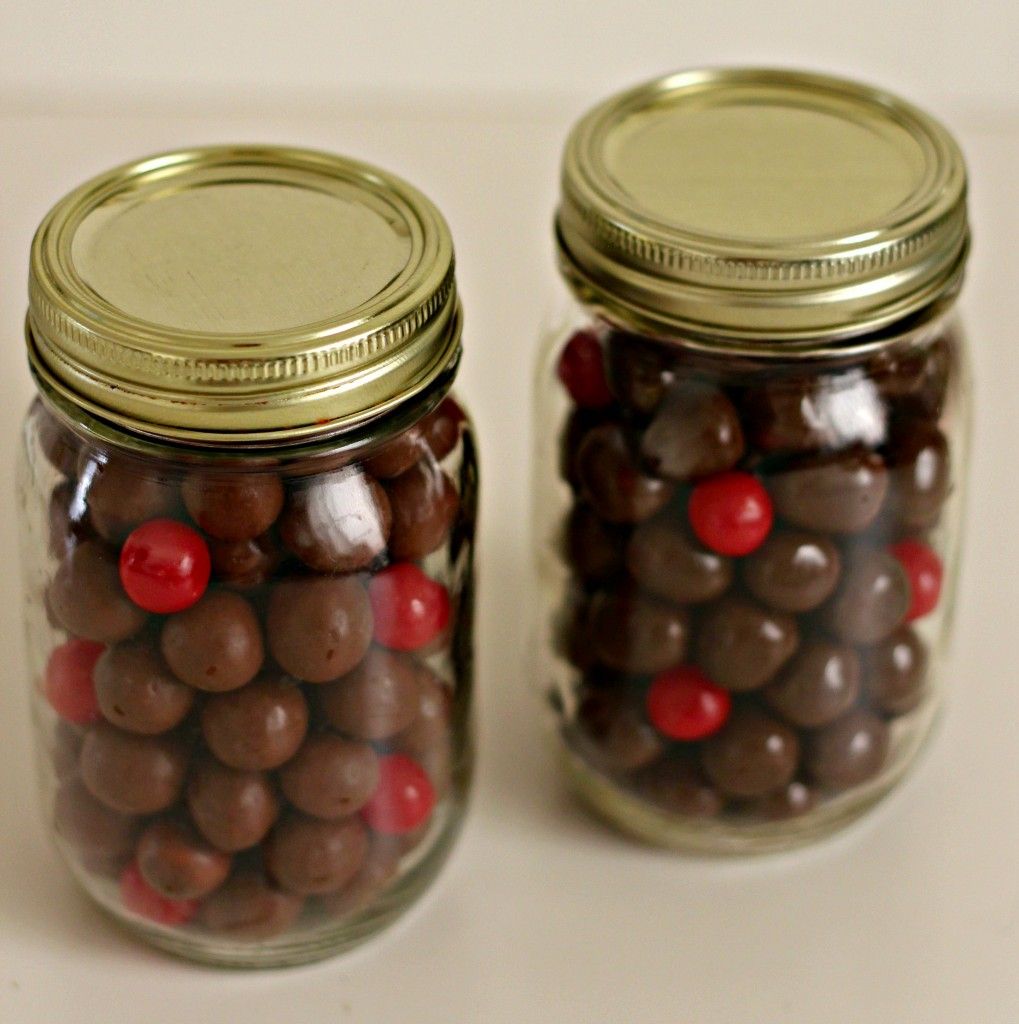 reindeer-jars-with-malted-and-caramel-candy