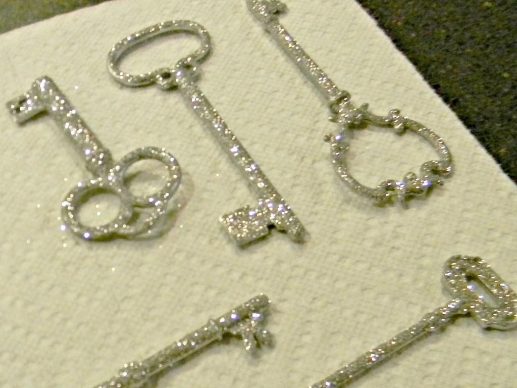 santa-key-glitter