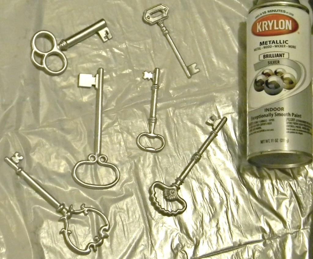 santa-key-painted-silver