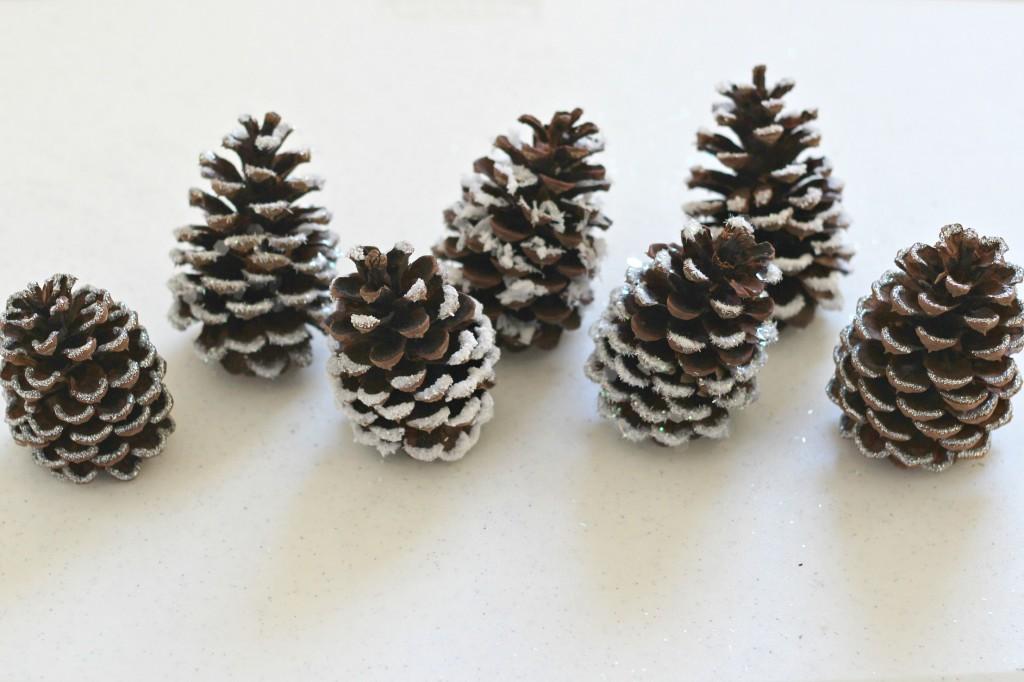 snowy-pine-cones-4-ways