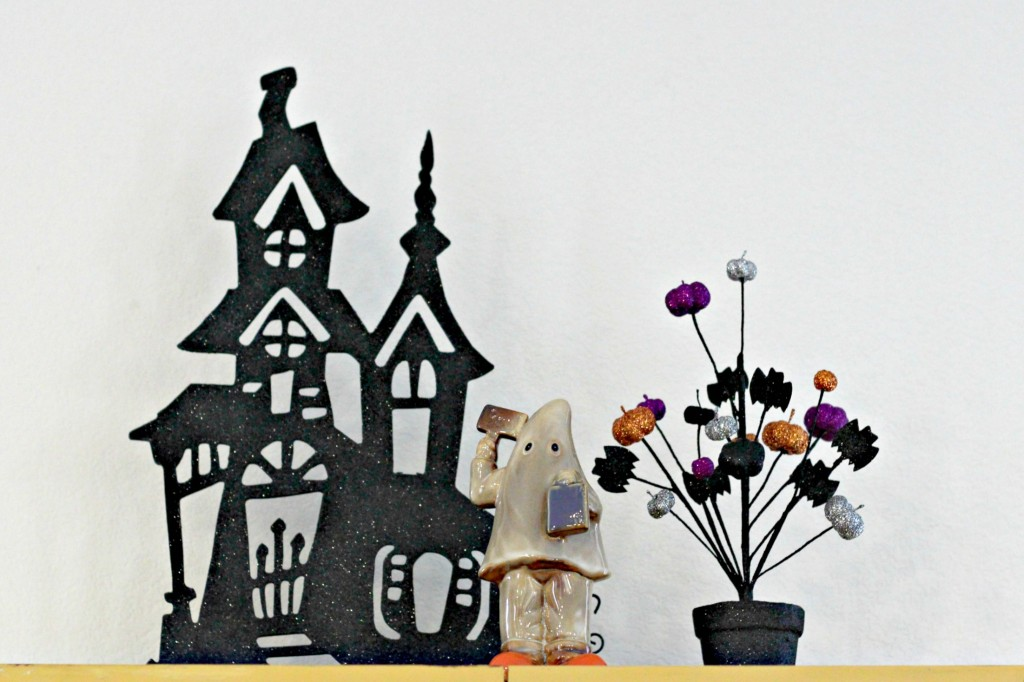 trick-or-treat-haunted-house