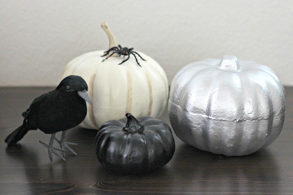 trick-or-treat-silver-pumpkin