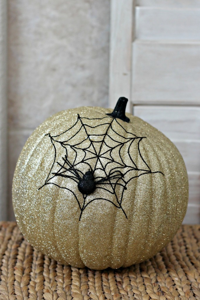 trick-or-treat-spider-web-pumpkin