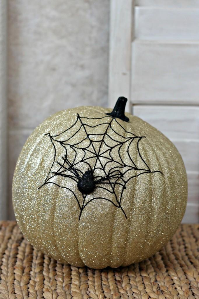 trick-or-treat-spider-web-pumpkin
