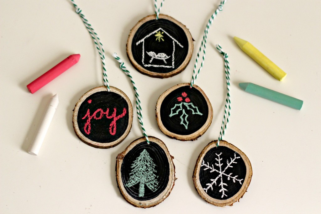 wood-slice-chalkboard-ornaments-finished