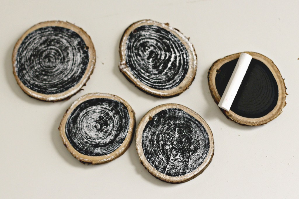 wood-slice-chalkboard-ornaments-primed-with-chalk