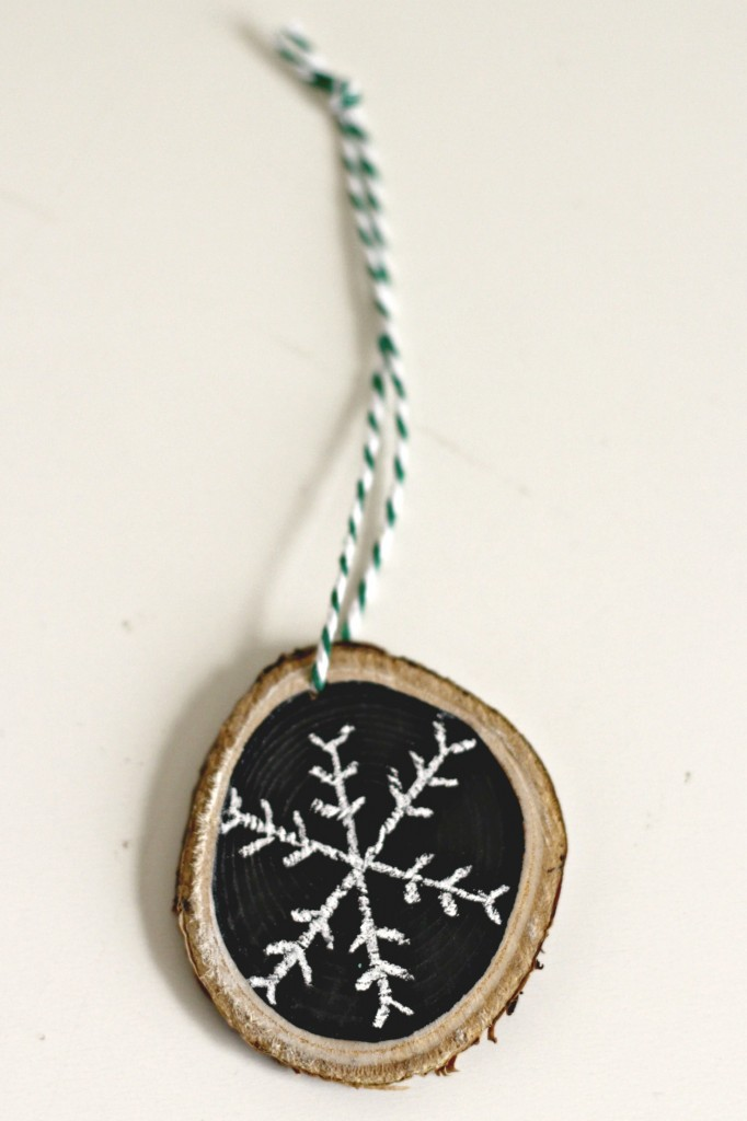 wood-slice-chalkboard-snowflake