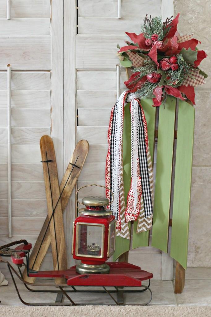 merry-woodland-mantel-sled