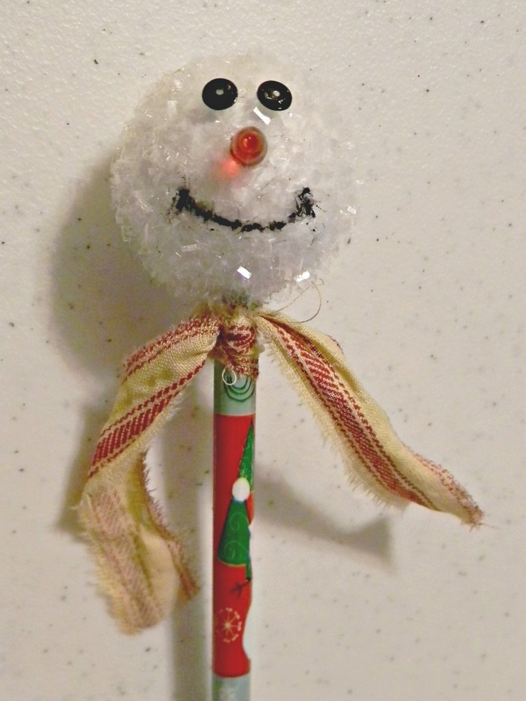 snowman-pencil-topper-with-scarf
