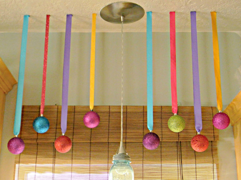 decorating-with-ornaments-from-ceiling