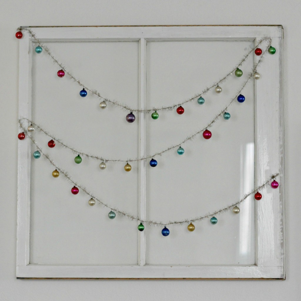 decorating-with-ornaments-garland