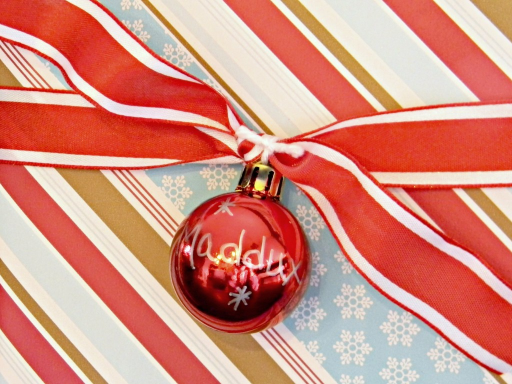 decorating-with-ornaments-gift-wrap
