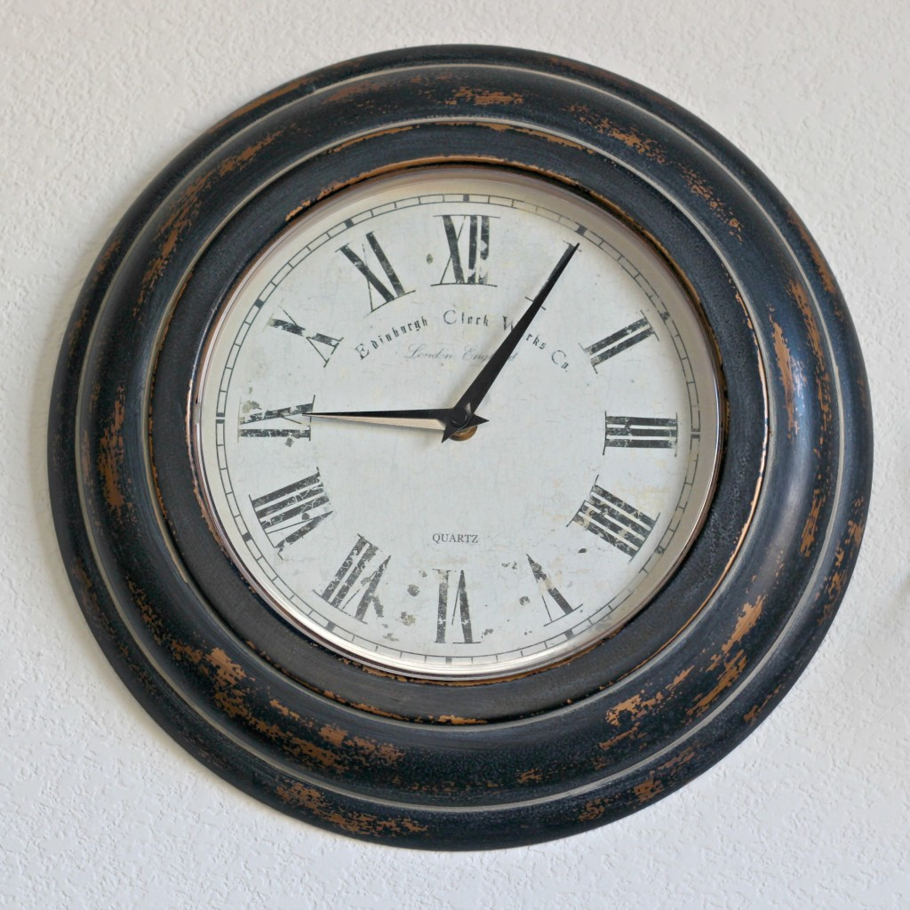 hall-cabinet-gallery-wall-clock