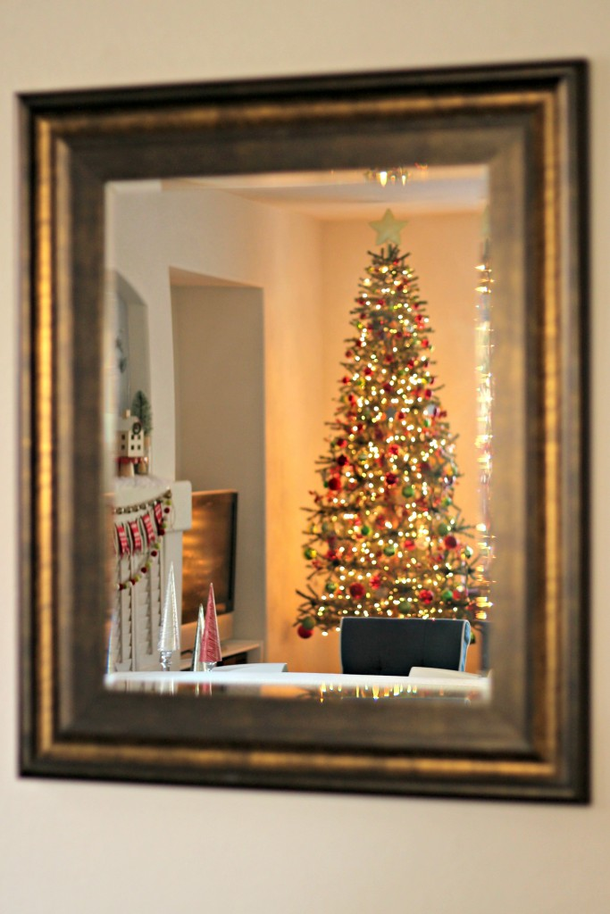 holiday-home-tour-christmas-tree-in-mirror