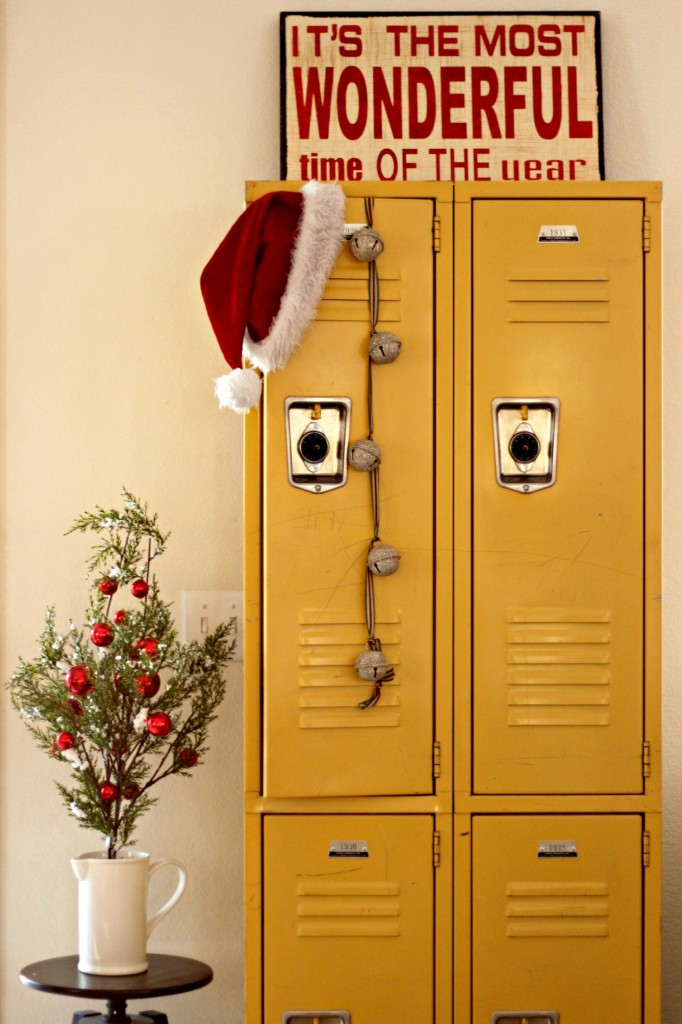 holiday-home-tour-decorated-lockers