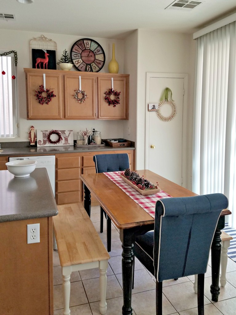 holiday-home-tour-kitchen-area
