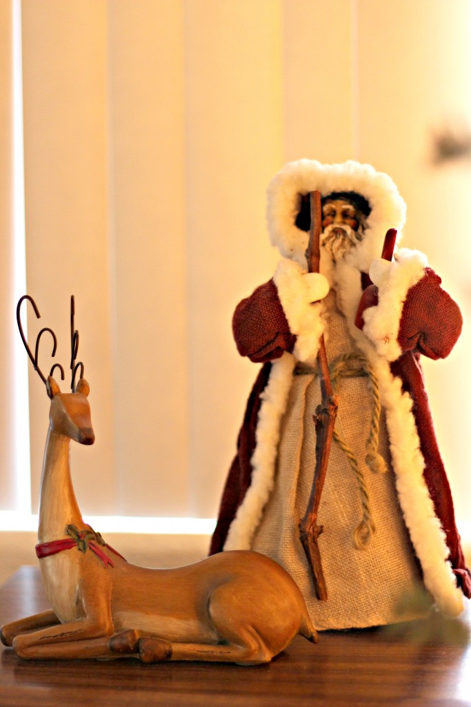 holiday-home-tour-santa-and-reindeer