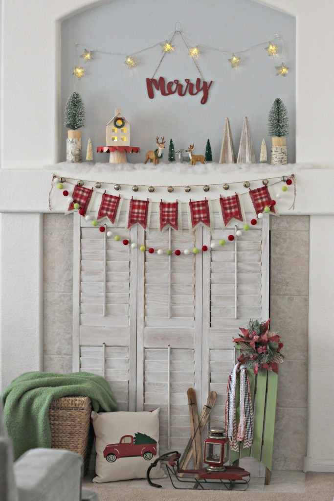merry-woodland-christmas-mantel-decor
