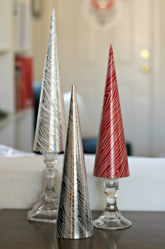 thrifty-christmas-decorating-candle-sticks
