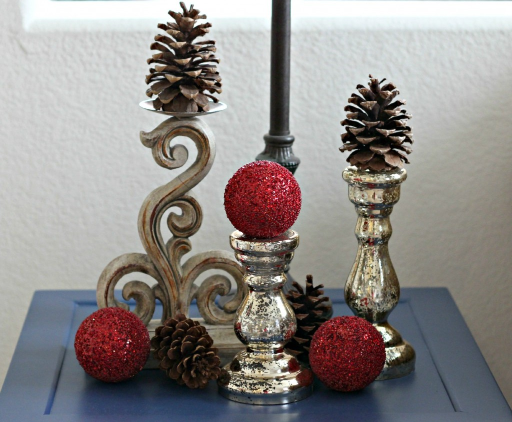 thrifty-christmas-decorating-candlesticks